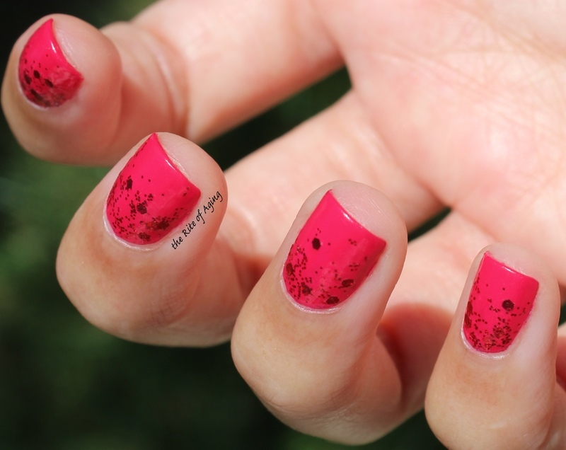 Red Glitter Gradient nail art by Monica