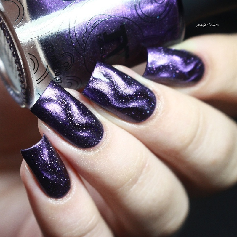 Magnetic Gradient nail art by Goodgirlnails