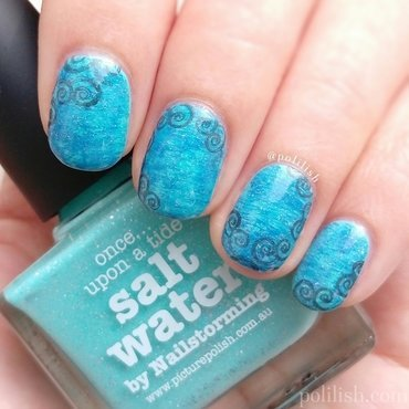 Oceanic swirly design nail art by polilish