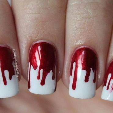 Bloody drips (Halloween design) nail art by Reelika