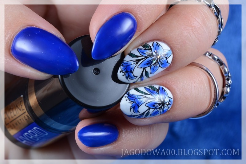 Blue lily nail art by Jadwiga