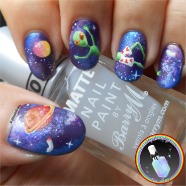 Freehand Alien Nail Art  nail art by Ithfifi Williams