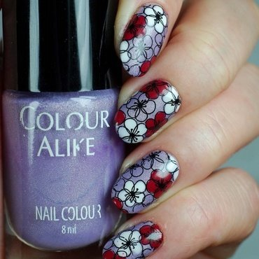 Flowers with plate MYM04 nail art by Yasinisi