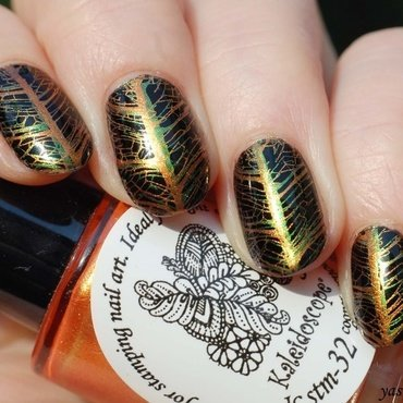 Autumn is coming nail art by Yasinisi