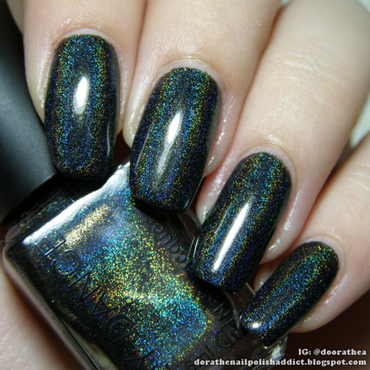 black holographic nail polish nail art by beautybigbang