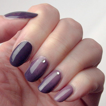 Purple and mauve skittlette nail art by What's on my nails today?