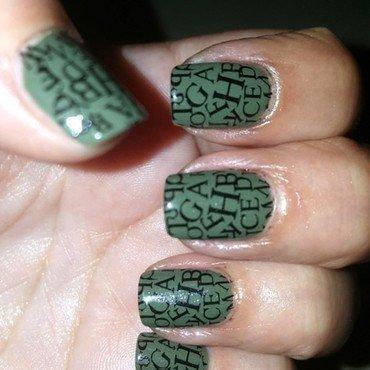 Green nail art by Katarinna