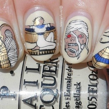 Mummy nail art by Plenty of Colors