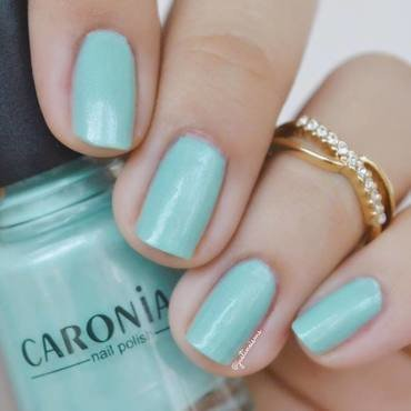 Caronia Gipsy Green Swatch by ℐustine