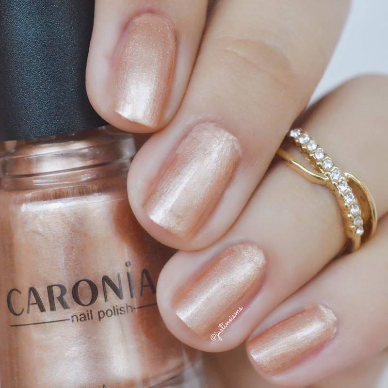 Caronia Golden Bronze Swatch by ℐustine
