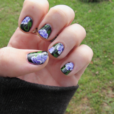 Freehand Flowers nail art by Juli