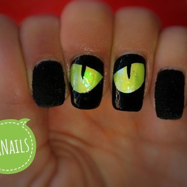 Soft kitty eyes nail art by NaNails