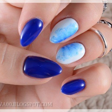 Navy Aquarelle  nail art by Jadwiga