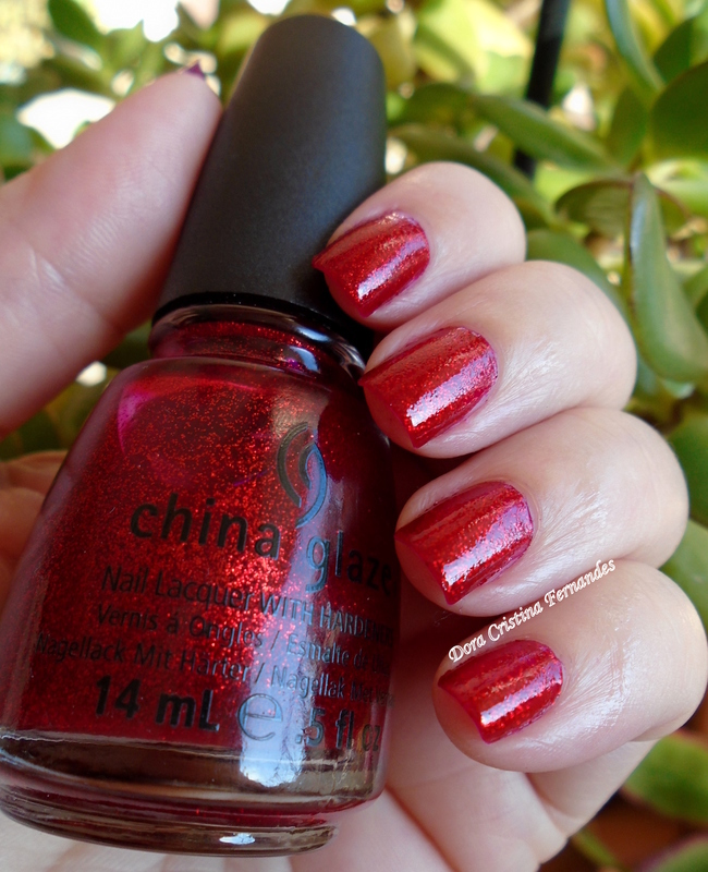 China Glaze Ruby Pumps (182) Swatch by Dora Cristina Fernandes