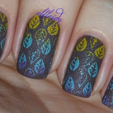 #TexturedFriday 11-03-2017 nail art by Jenette Maitland-Tomblin