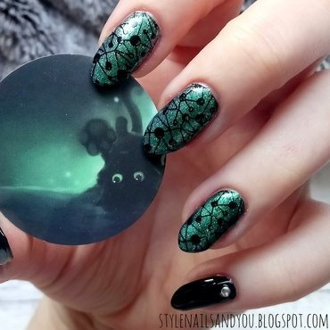 Emerald Nails nail art by StyleNailsAndYou