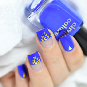 blue aztec nail art by Marine Loves Polish