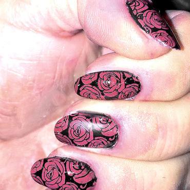 AUTUMN ROSES nail art by FRANCESCA SPORTELLA