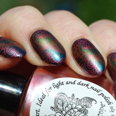 Gradient and stamps  :) nail art by Yasinisi