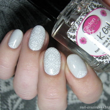 Winter sweater nail art by Nail Crazinesss