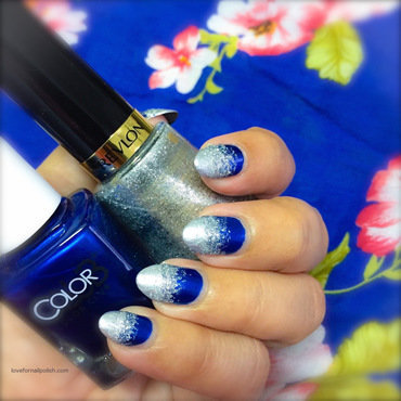 Blue Silver Gradient nail art by Demi