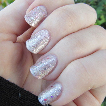 Holo Pearls nail art by Juli