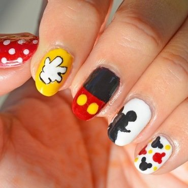 Mickey 20mouse 20nails 201 thumb370f