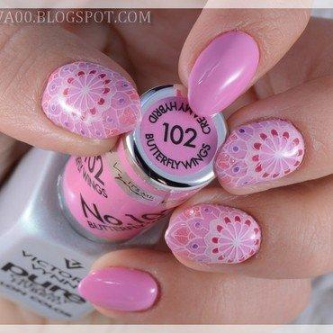 Pink mandalas nail art by Jadwiga