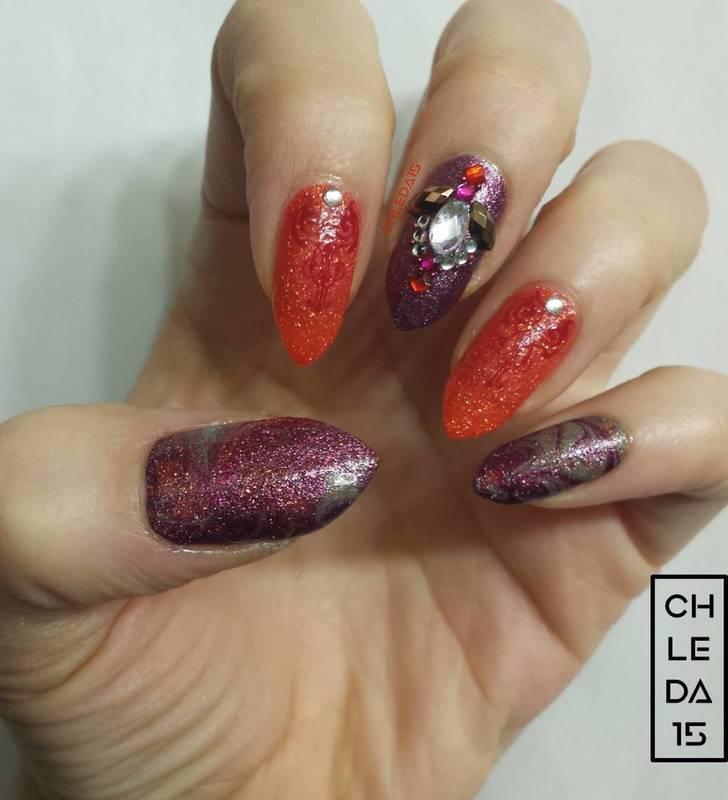 Sparkle Swirls nail art by chleda15