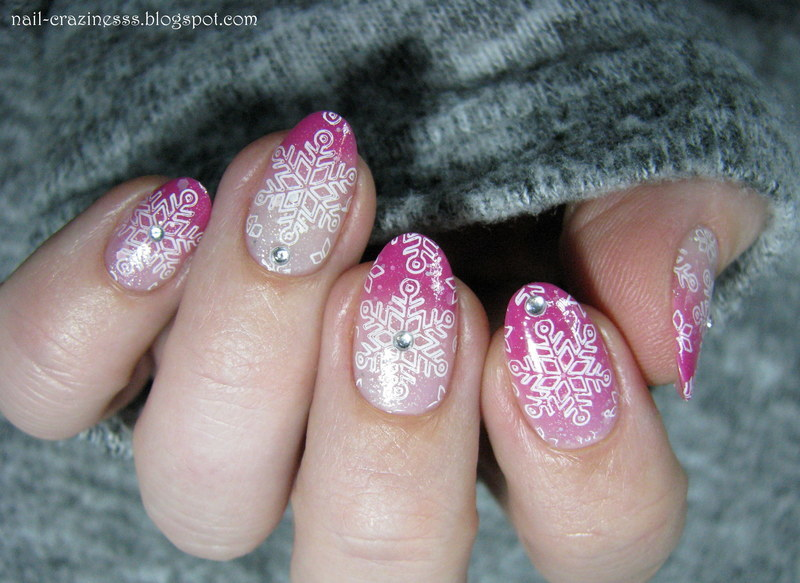 Snowflakes nail art by Nail Crazinesss