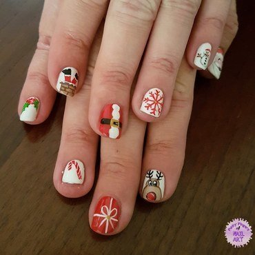 Christmas time nail art by Funky fingers nail art