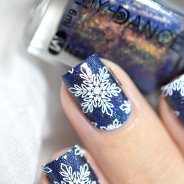 Winter nail art by Marine Loves Polish