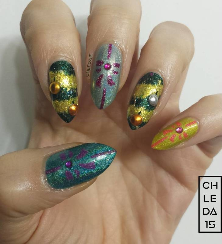 Tinsel, Twinkle & Treasures nail art by chleda15