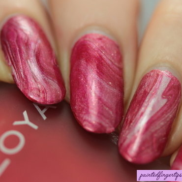 White and red drip marble thumb370f