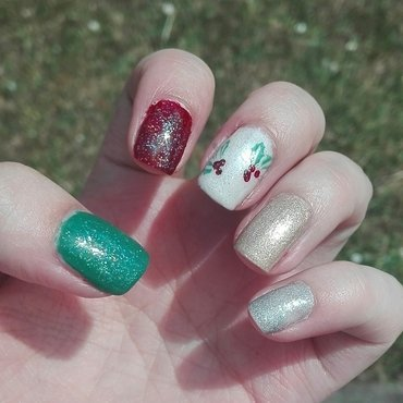 Christmas nails nail art by Daisyq