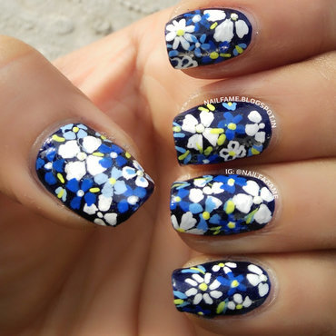 BLUE FLOWERS nail art by Nailfame