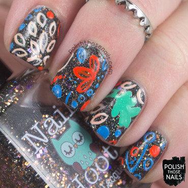 Black glitter floral pattern nail art 4 thumb370f