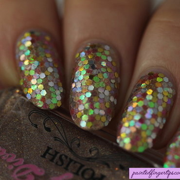 Nails gold glitter placement thumb370f