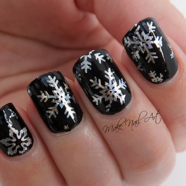 Snowflakes Nail Art Design nail art by Make Nail Art