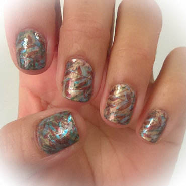 Stamping over Gold, Olive and Brown Fanbrush Mani nail art by Avesur Europa