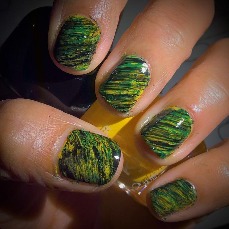 Green, yellow and black #Fanbrushfriday nail art by Avesur Europa