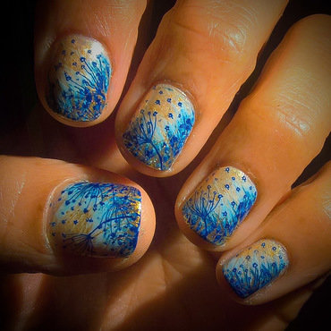Dandelions over #fanbrushfriday nail art by Avesur Europa