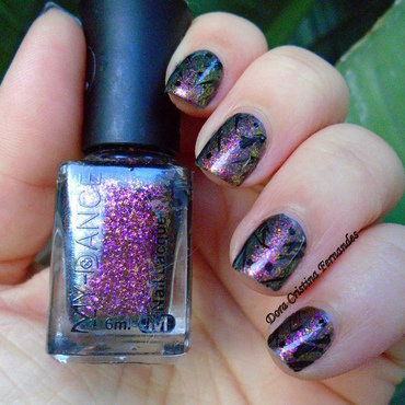 Chameleon Flakies nail art by Dora Cristina Fernandes