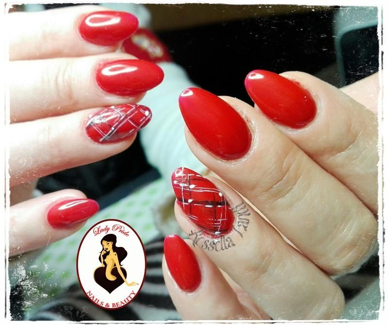 Scozzesi nail art by Rossella Landi