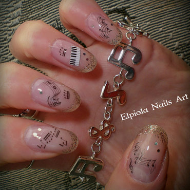 Pentagram Notes nail art by Elpiola Lluka