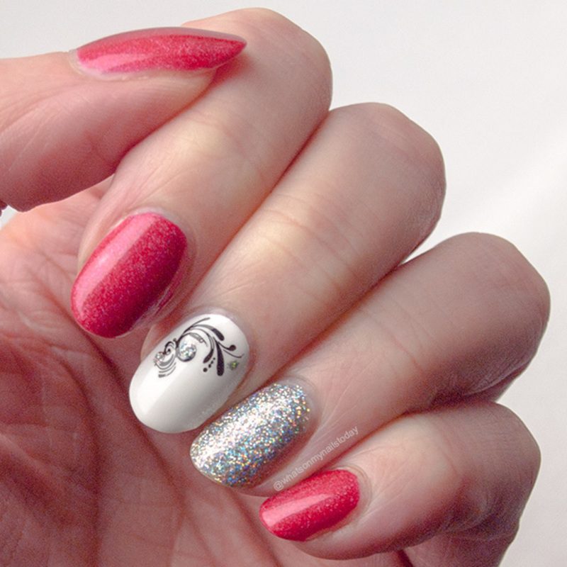 #52weeknailchallenge - week 5: Holographic nail art by What's on my nails today?
