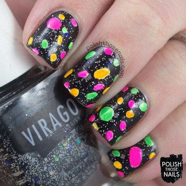 Black glitter neon spots pattern nail art 4 thumb370f