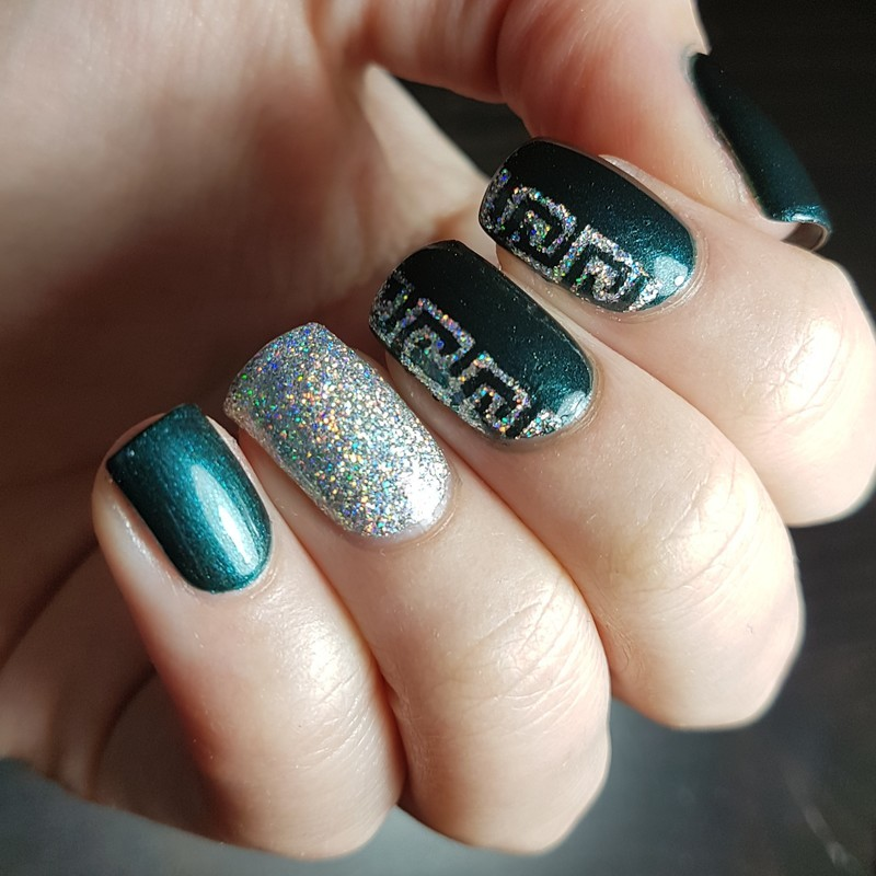 Dark green and holo nail art by Emmelie Slotboom