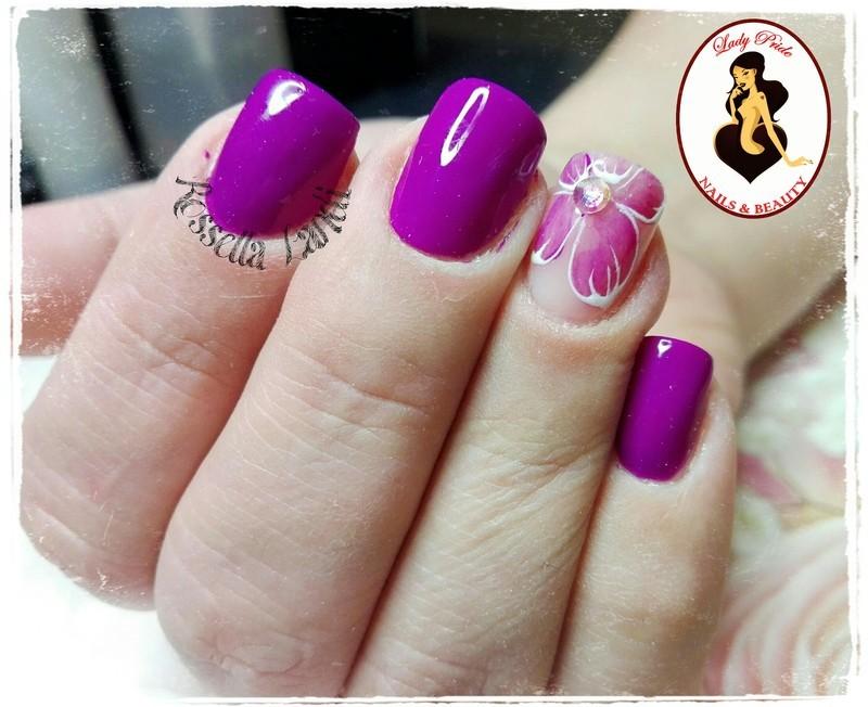 Violet nail art by Rossella Landi