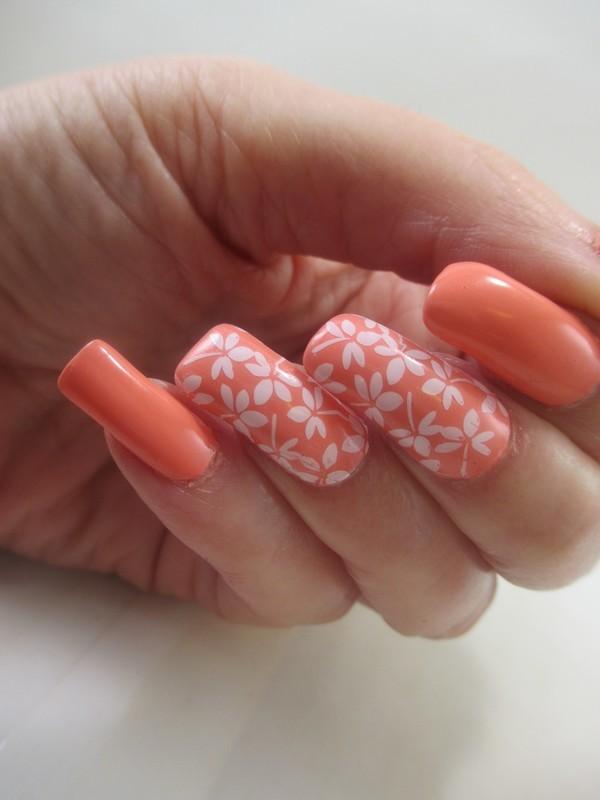 Peach Side nail art by NinaB